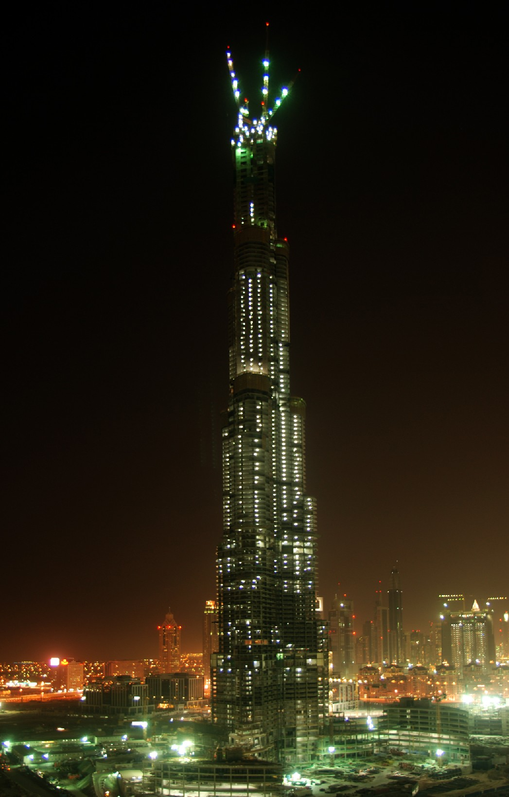 [Image: burj-dubai-the-tallest-building-in-the-w...-shot1.jpg]