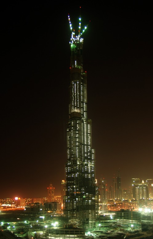 burj-dubai-the-tallest-building-in-the-world-night-shot1