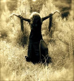 Wicca coven casting spells at wwwrealspellcastingcom - 4 9